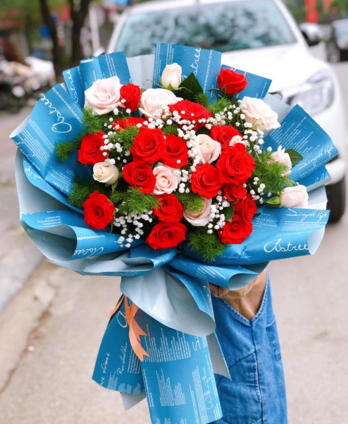 Những bó hoa được bó đơn giản mà hết sức ngọt ngào