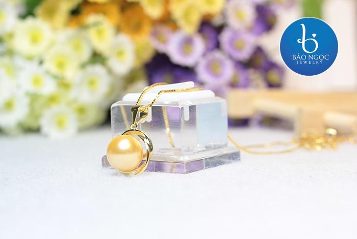 Mặt dây Ngọc trai Bạc mạ Vàng 18K Độc đáo M-1906 (hình ảnh lấy từ website của Bảo Ngọc Jewelry)