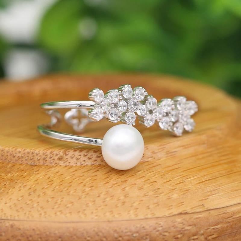 Thương hiệu Bảo Ngọc Jewelry toát lên vẻ đẹp đằm thắm, hiền thục của người phụ nữ Việt, đồng thời khí chất đó lại vô cùng sang trọng và quý phái