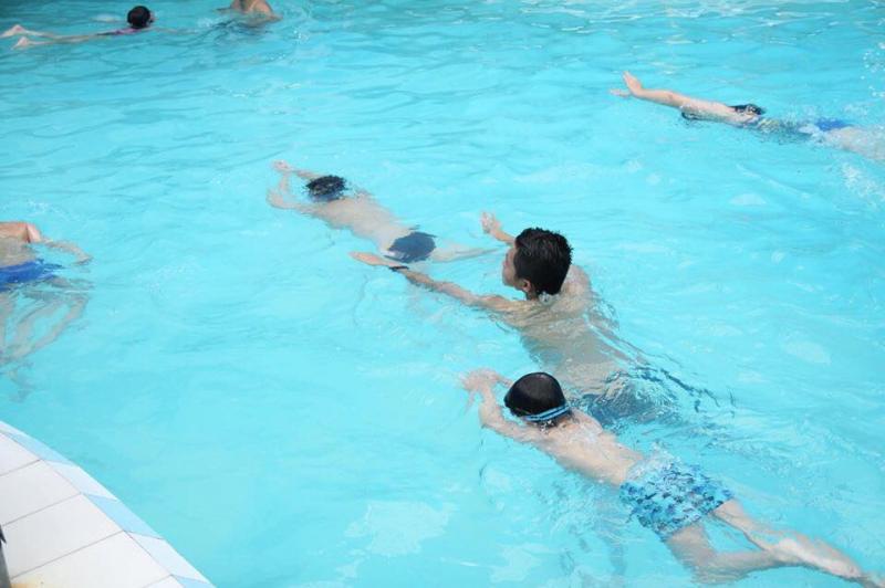 Giáo viên dạy bơi tại Bảo Sơn đều là những giáo viên được đào tạo bài bản, và cực kỳ kinh nghiệm. Bởi đa số họ đều là những cựu vận động viên bơi lội chuyên nghiệp
