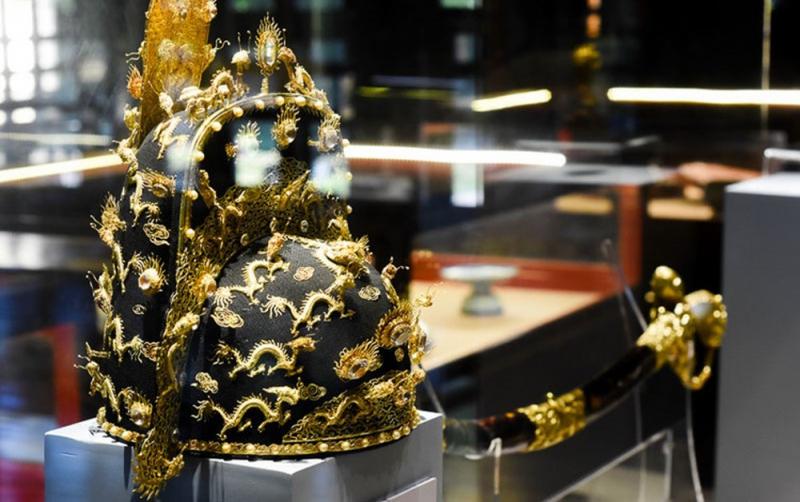 Đồ vật trong Bảo tàng cổ vật cung đình Huế
