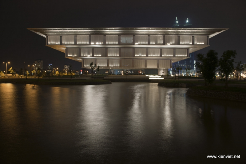 Khung cảnh Bảo tàng Hà Nội lung linh về đêm