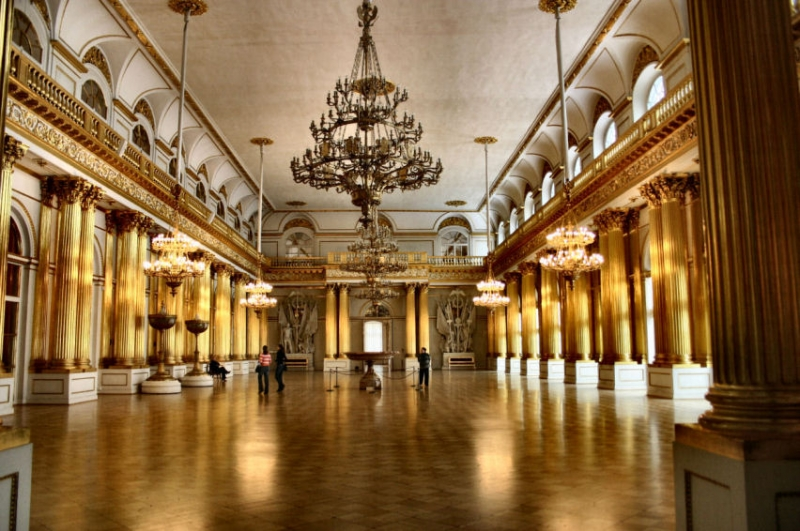 Bên trong bảo tàng Hermitage