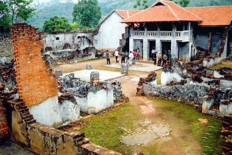 Di tích nhà tù Sơn La