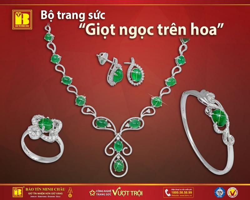 Mẫu mã trang sức của Bảo Tín Minh Châu vô cùng đa dạng, từ trang sức nạm kim cương đến vàng bạc và các loại đá quý.