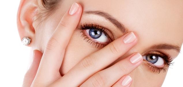 Ăn nho khô thường xuyên sẽ giúp bạn tránh khỏi bị thoái hóa điểm vàng, nguy cơ bị đục thủy tinh thể