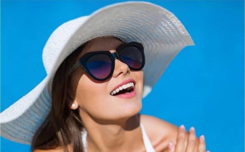 Kính mắt chống lại các tia UV