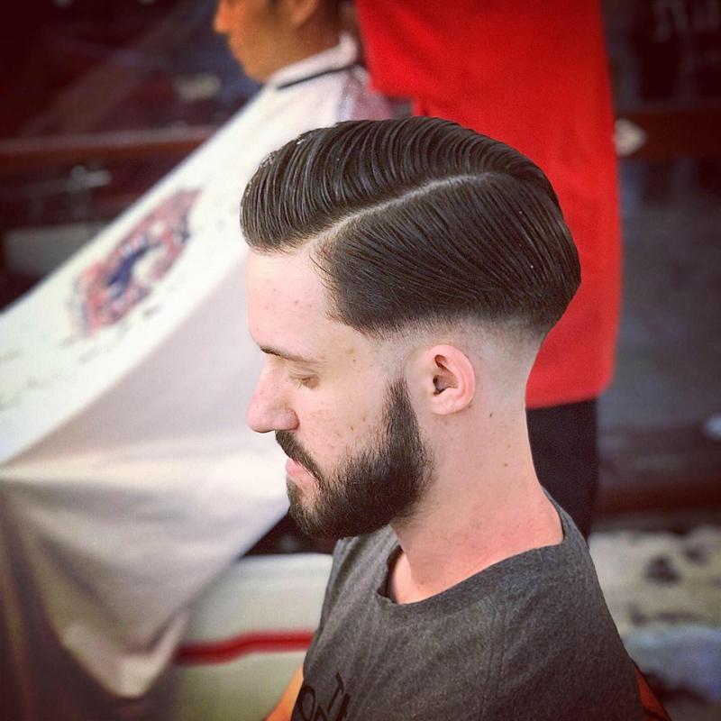 Tóc của khách sau khi qua tay những người thợ cắ tóc lành nghề