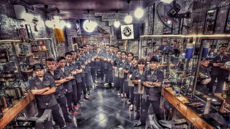 Dàn thợ cá tính nhưng đầy tâm huyết của BarberShop Vũ Trí