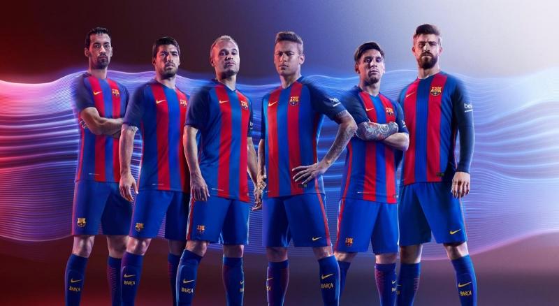Áo đấu sân nhà của Barca