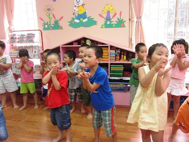 Bắt chước tạo dáng - trò chơi vận động dành cho trẻ mầm non hay nhất