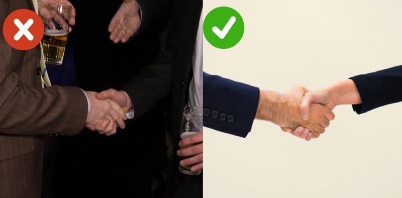 Bắt tay chắc và chặt