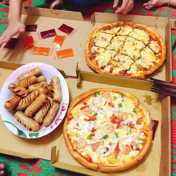 Bánh pizza nhìn hấp dẫn ghê!