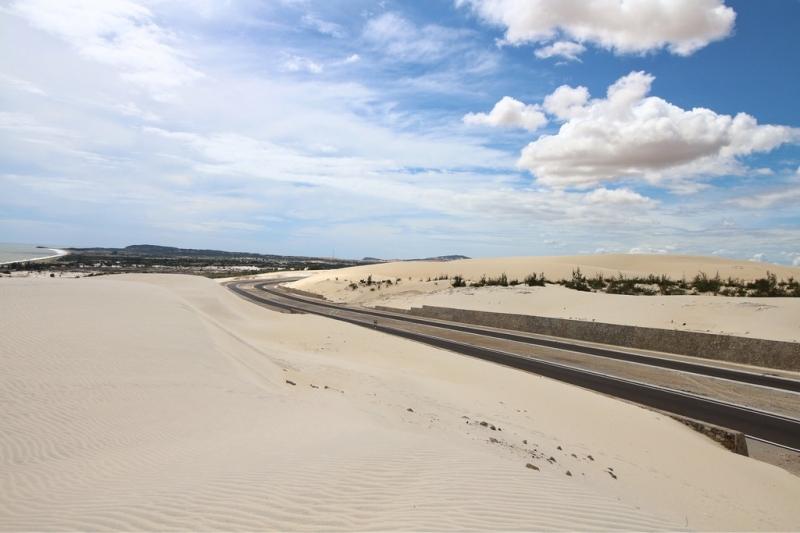 Cung đường cát trắng tuyệt đẹp