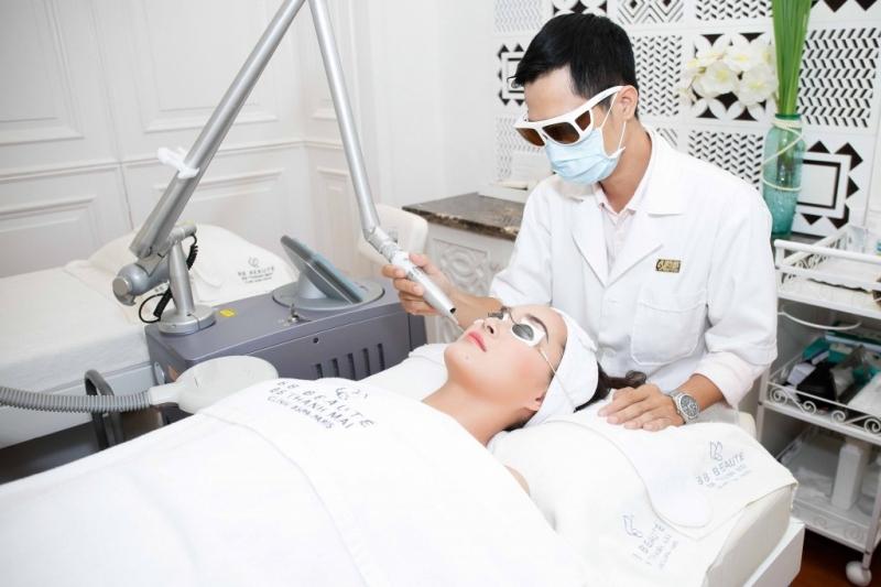 Hoa hậu Vitorya Thúy Vi điều trị với Laser LPAP