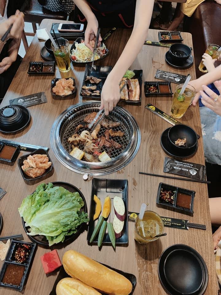 Từng món ăn đều được chú trọng từ khâu lựa chọn đến chế biến sao cho khách hàng hài lòng nhất.