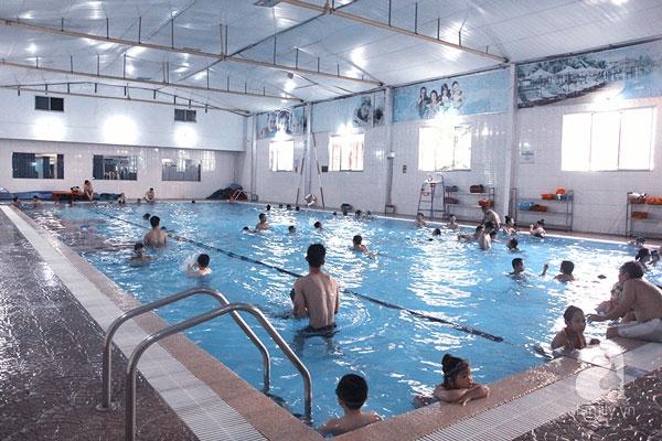 Bể bơi bốn mùa Định Công