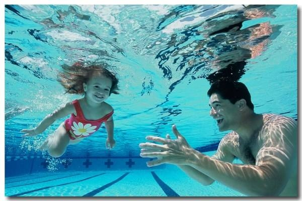 Kỹ năng bơi lội là kỹ năng quan trọng cha mẹ nên dạy cho con