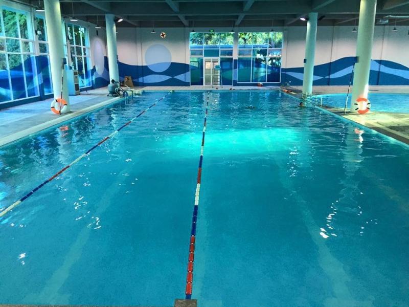 Bể bơi khu ngoại giao đoàn Vạn Phúc