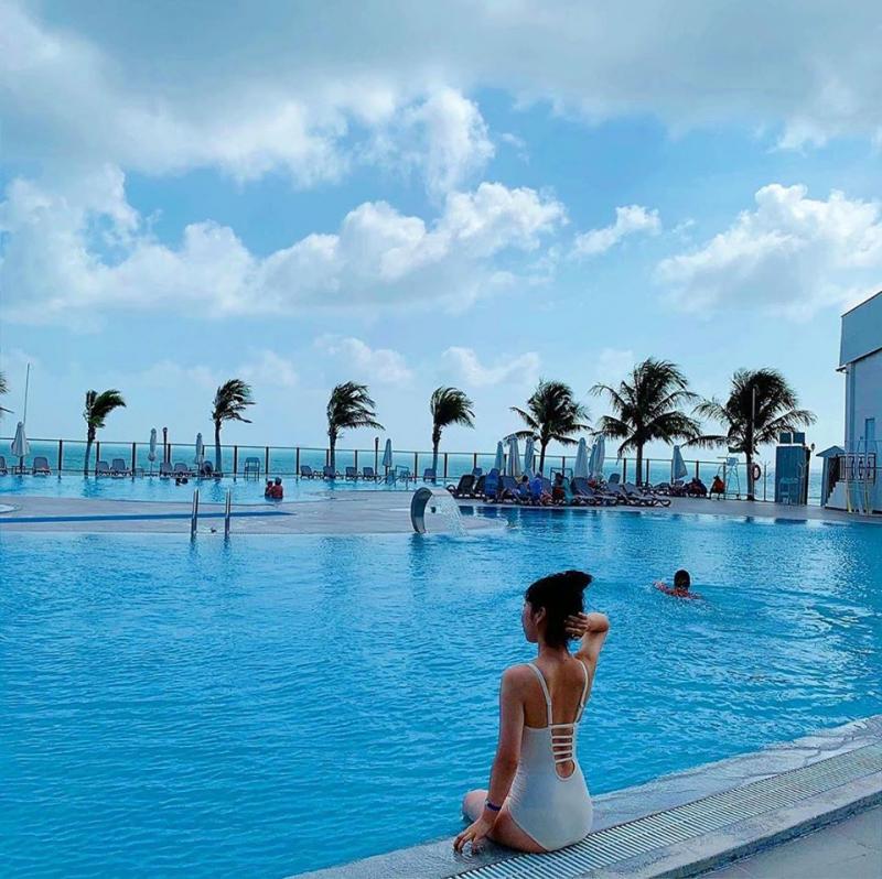 Bể bơi Landmark