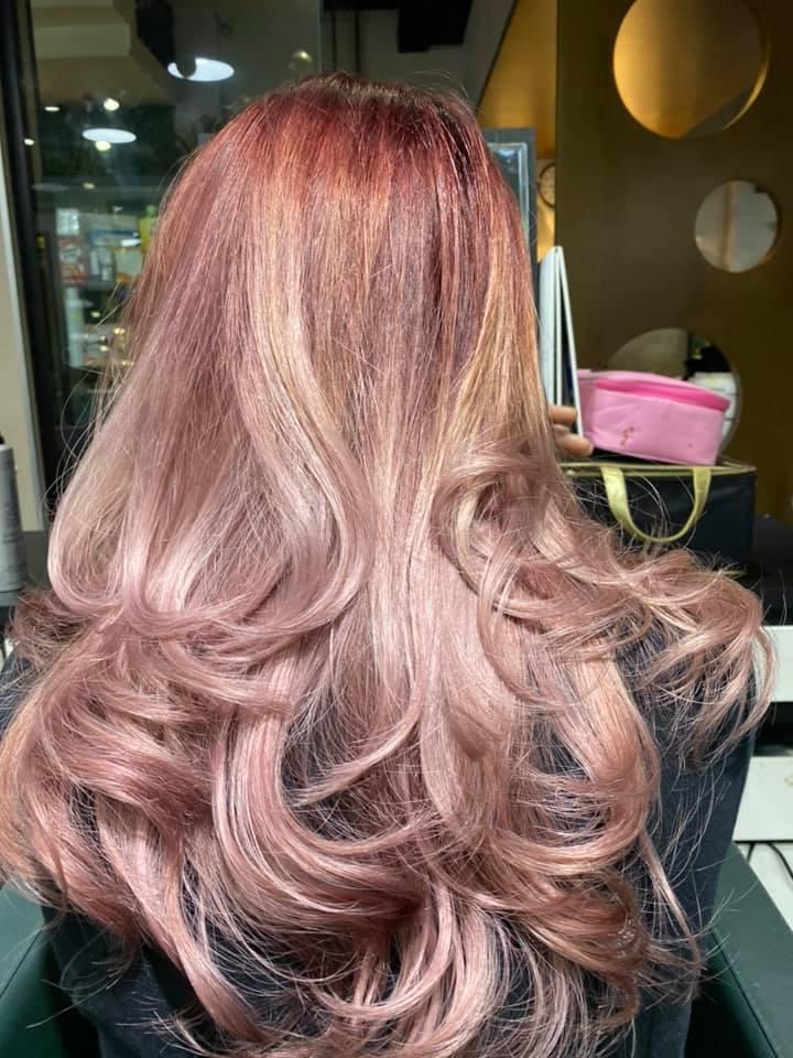 A Đoan Hair Salon là lựa chọn yêu thích của nhiều nghệ sĩ nổi tiêng Việt Nam cũng như khách du lịch nước ngoài.