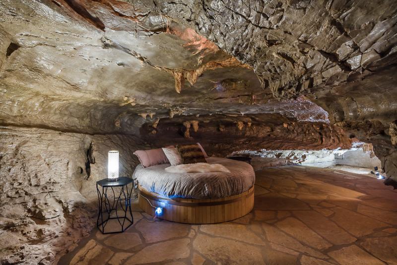 Khách sạn giữ nguyên được nét hoang sơ của tự nhiên