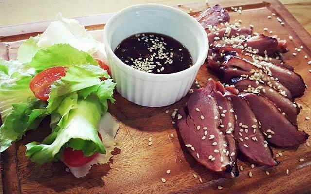 Những miếng thịt bò tươi ngon, hấp dẫn