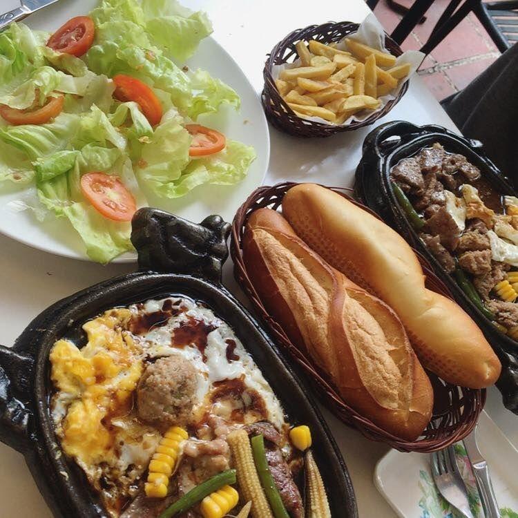 Beefsteak Hoa Qua Son is one of the oldest steak brands in Saigon