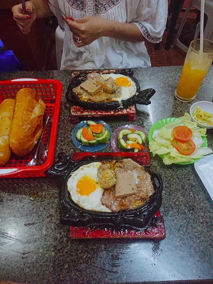 Trong suốt hơn 25 năm hoạt động, Nam Sơn vẫn khiến thực khách mê đắm bởi hương vị beefsteak của mình.
