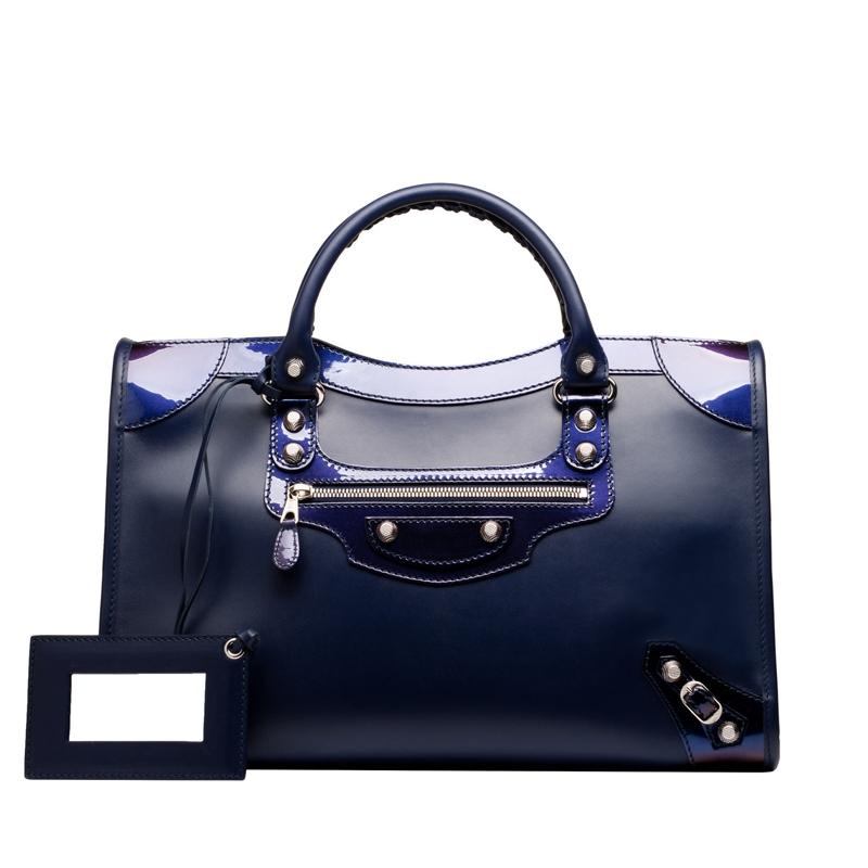 Chiếc túi xách thuộc thương hiệu Balenciaga