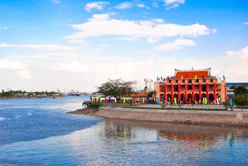 Nha Rong Harbor