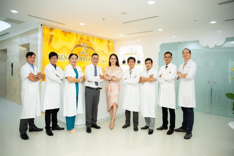 Đội ngũ bác sĩ đầu ngành nhiều năm kinh nghiệm tại Bệnh viện Thẩm mỹ Xuân Hương