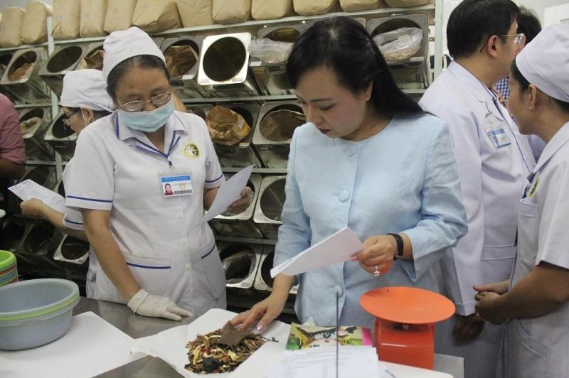 Bệnh viện y học cổ truyền Cần Thơ là bệnh viện đông y lớn bậc nhất Đồng bằng sông Cửu Long