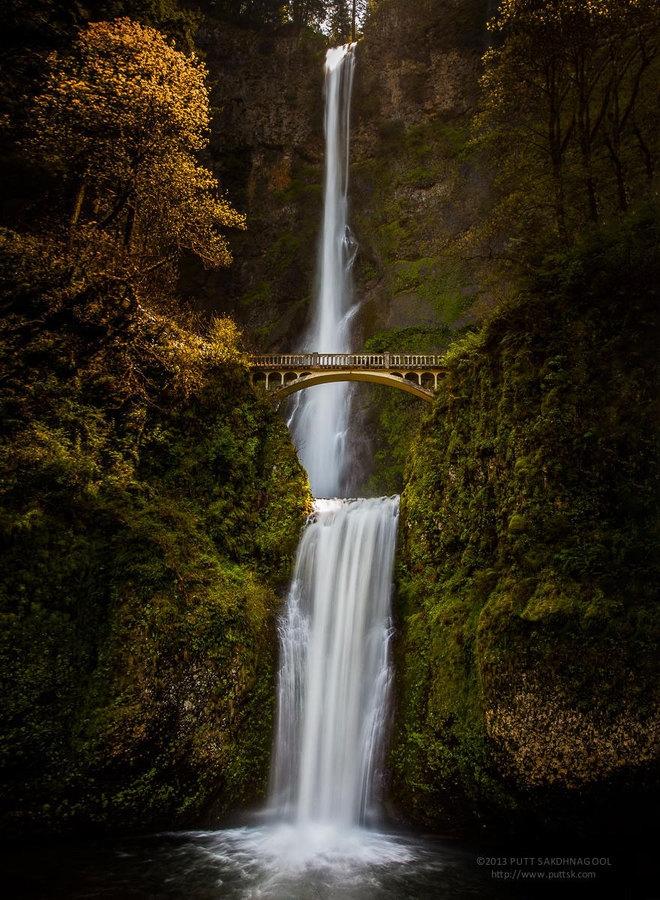 Benson là cây cầu bắc qua thác Multnomah, bang Oregon của Mỹ