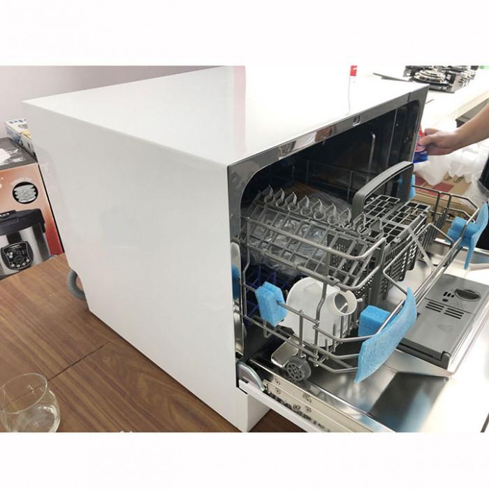 Máy rửa bát tại Bếp Thành Tín