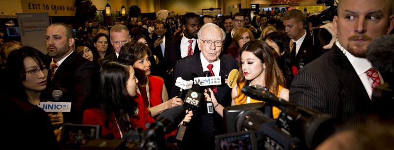 Warren Buffett - người điều hành công ty  Berkshire Hathaway