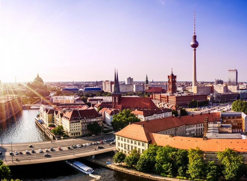 Berlin là thành phố nằm ở miền Đông Bắc nước Đức
