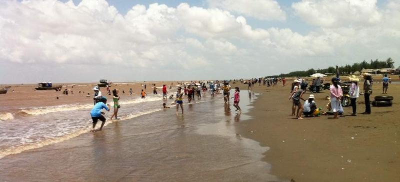 Bãi biển cồn Bửng hãy còn hoang sơ