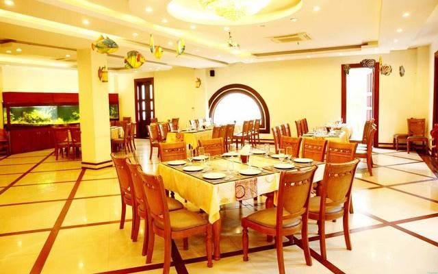 Không gian sang trọng của nhà hàng Biển Đông