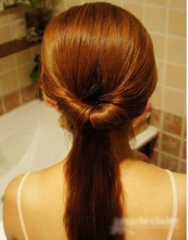 Chút biến tấu cho mái tóc đuôi ngựa dịu dàng hơn!