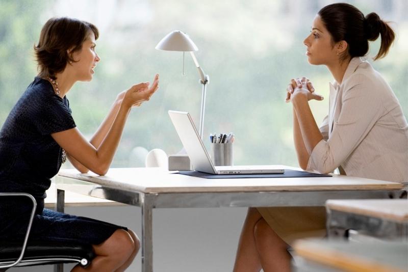 Người khôn ngoan là người biết lắng nghe.