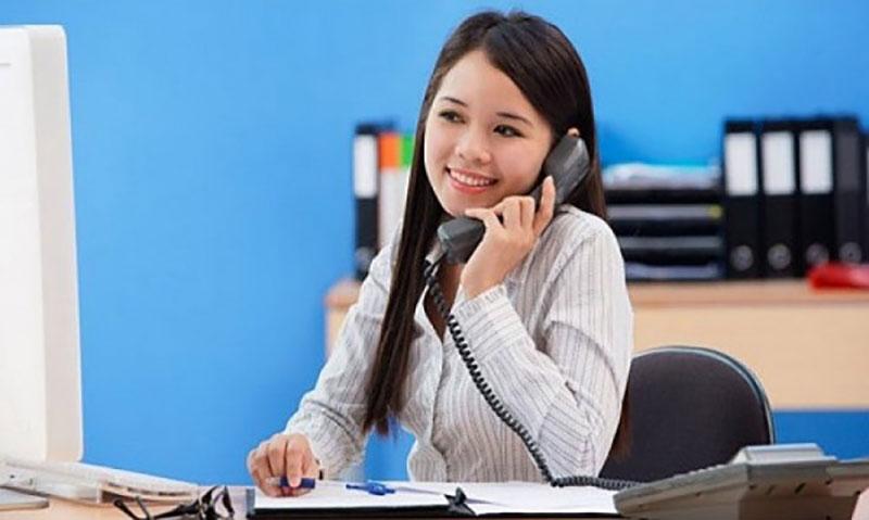 Thái độ vui vẻ tạo nên sự gần gũi hơn với khách hàng