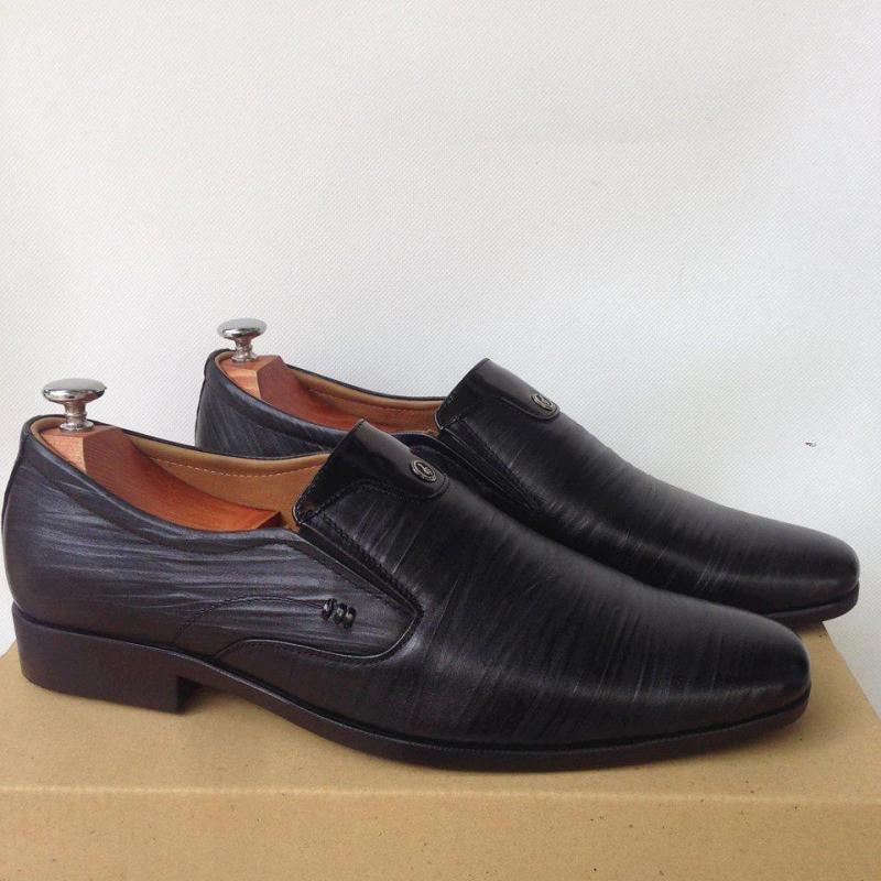Nhiều kiểu giày tây nam đẹp bề, chất liệu da nhập khẩu