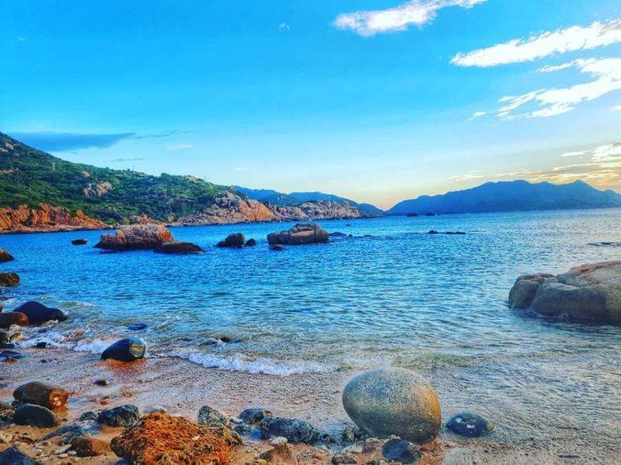 Đảo Bình Ba nổi tiếng với vẻ đẹp hoang sơ và thơ mộng