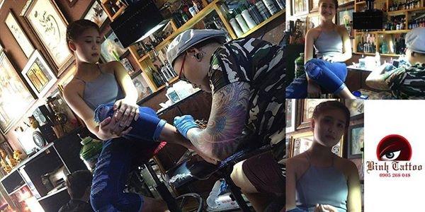 Khách hàng xăm hình tại Bình Tattoo