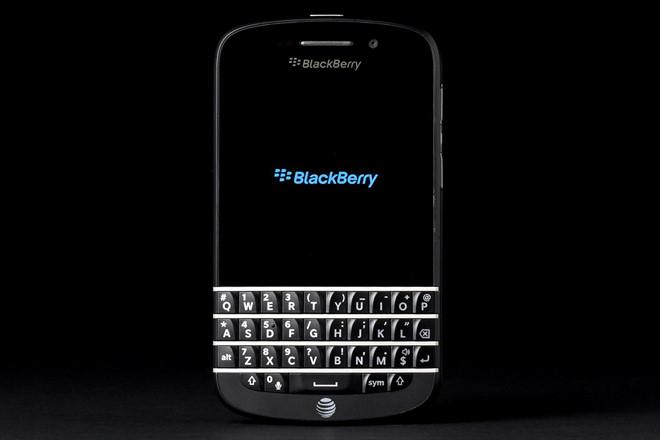 BlackBerry Bold 9000 – Giá: 500.000 – 800.000 VND