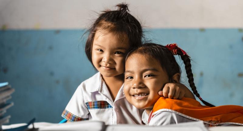 Blue Dragon giúp thắp sáng tương lai tươi sáng cho trẻ em nghèo Việt Nam