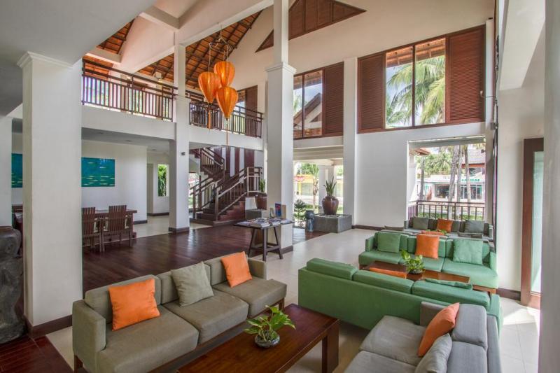 Phòng khách được trang trí hiện đại và sang trọng