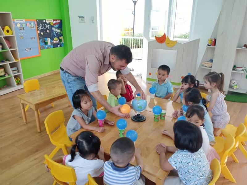 Những giờ học song ngữ Việt – Anh tại Blue Sky Mega Residence