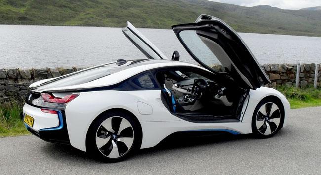 Xe hơi BMW i8 của hãng BMW.